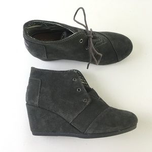 1c30a192658 Toms Womens Gray Boots Shoes DR10359